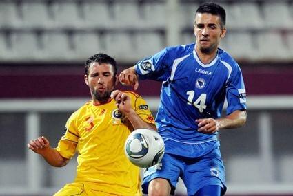Razvan Rat i Vedad Ibisevic (z prawej)