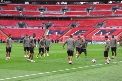 Barcelona trenuje na Wembley