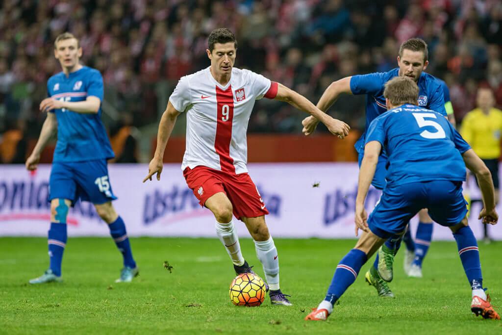 Robert Lewandowski podczas ostatniego meczu z Islandią