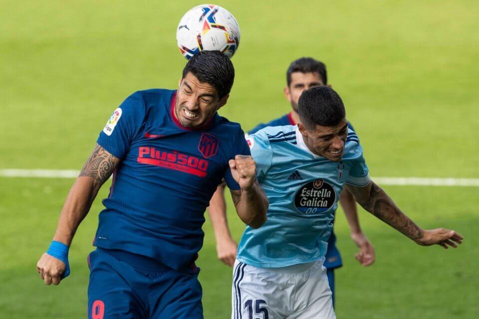 Luis Suarez (z lewej) w meczu z Celtą