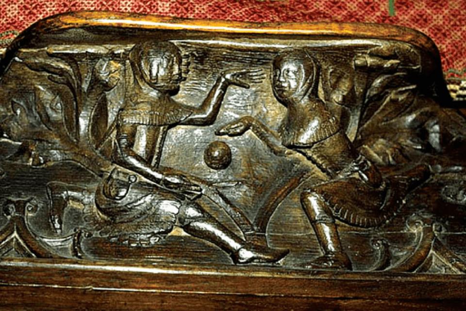 Drewniana płaskorzeźba z katedry w Gloucester