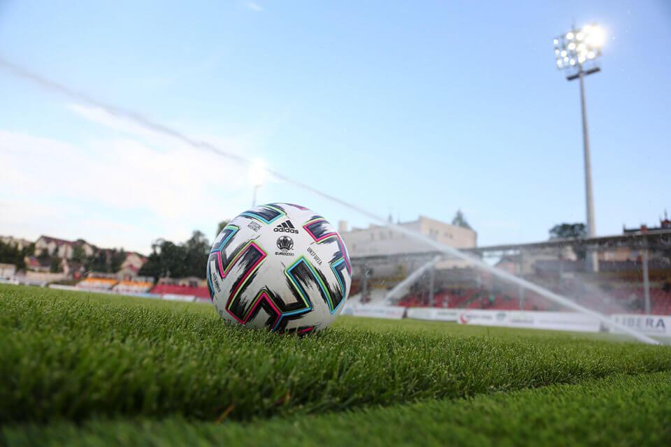 Piłka na stadionie