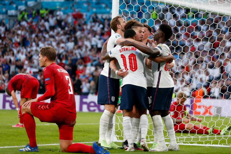 Reprezentacja Anglii w meczu z Danią