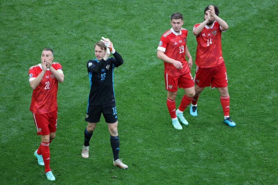 Rosjanie po meczu z Finlandią na Euro 2020