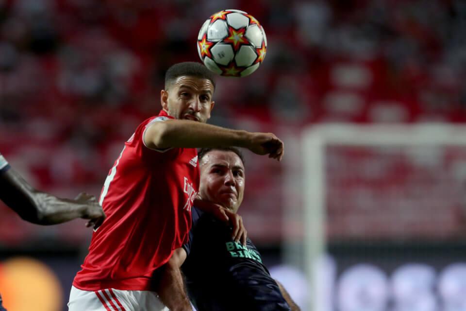 Adel Taarabt i Mario Goetze w meczu Benfiki z PSV
