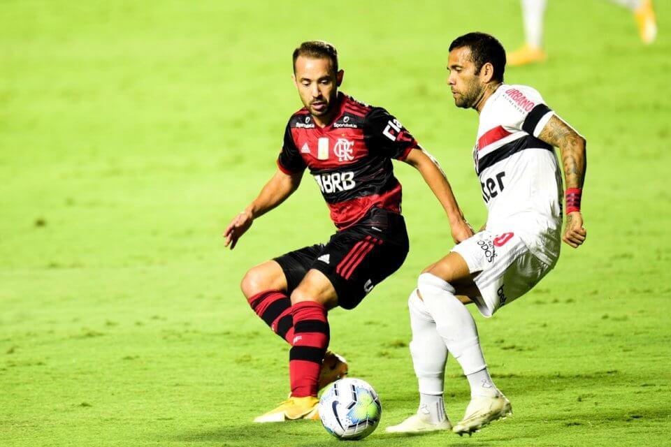 Dani Alves (P) w barwach Sao Paulo FC