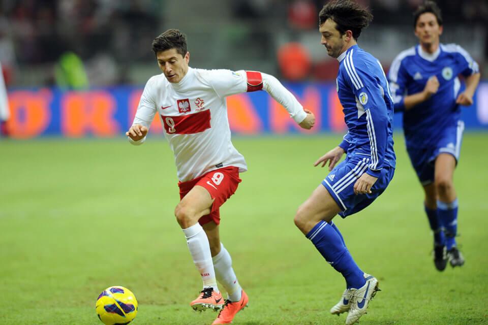 Robert Lewandowski podczas meczu z San Marino