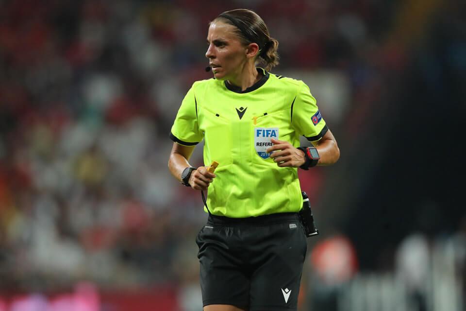 Stephanie Frappart będzie odpowiedzialna za VAR